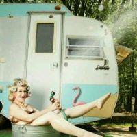 Les joies du camping : prendre sa douche