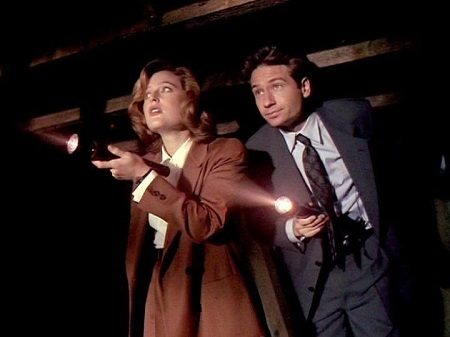 scully-mulder-hangar